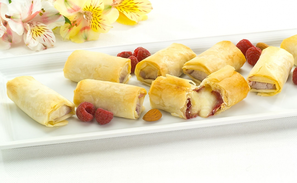 Brie and Raspberry in Phyllo Log Image